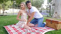 PASSION-HD Picnic date turns into fuck with blonde Emma Hix - download porn videos