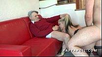 Papy mate une grosse pute se faire grave sodomiser