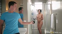 brazzers   step son catches reagan foxx in the shower