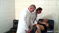Смотреть порно взятие спермы на анализ