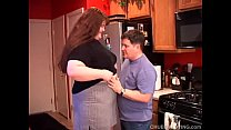 Beautiful beefy BBW gives an amazing sloppy blo...
