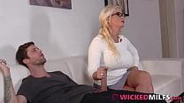 Grateful Step-Mom Alura Jenson Sucks & Fucks Her Daughter's Boyfriend