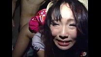 薄暗い部屋に監禁拘束された童顔娘が鬼畜男に強制レイプされ泣き顔を浮かべて身悶える