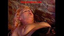 Old slut mature redhead makes anal Vecchia porc...