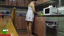 sexo entre los fogones de la cocina con la morena tetoncita GUI045 porn videos