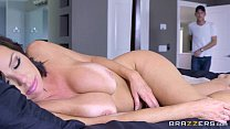 boobs got mommy - avluv veronica - Brazzers