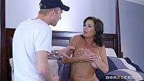 Brazzers – Veronica Avluv – Mom Got Boobs