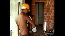 Brasileiros gays transando em uma construção - ...