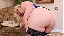 Sexy Pinup Plumper Klaudia Kelly Takes Some BBC