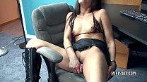 Petite MILF Naomi Shah fucks her exotic pussy w...