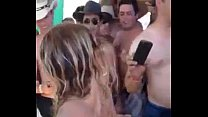 Videos de Sexo Universitária loira com tesão gozando muito na cara da piranha depois do sexo