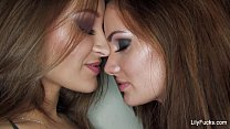 r light lezbos with lily carter