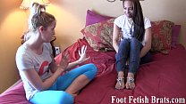 tai phim sex -xem phim sex Free yoga instruction for a foot worshiping ses...