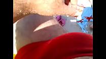 mostrando a esposa de bikine na praia