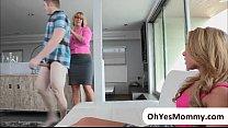 Молодая мать совротила своего сына смотреть порно видео
