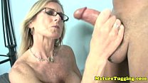 jacking off loving cougar gives handjob