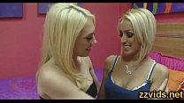 Русская блондинка с упругой грудью трахается