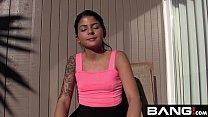 Первый секс молодой брюнетки видео