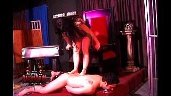 Mistress Rhiannon has a lucky slave