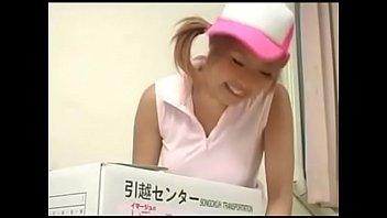 【巨乳 ギャル】爆乳黒ギャル萩原めぐが引っ越し屋業者に大変身!SEX動画