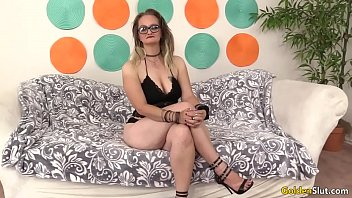 Mature woman Lilith Lust spread her intimate pa... | Video Make Love