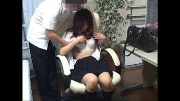 保健室に巨乳女子高生を連れ込んでヤッてる証拠を抑えるためにカメラを仕掛けてみた結果