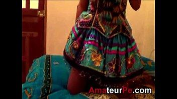 Chicas Voyeur Bailarina de caporales cachando muy duro by amateurpe.com