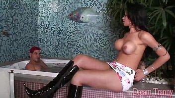 Pornô gostoso com a travesti Isabelly Ferraz