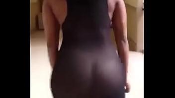 Twerking Vines 8 فستان شفاف بدون ملابس داخلية (1)