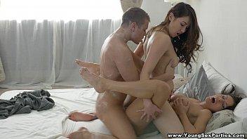 Втроем секс утром