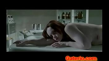 Christina ricci desnuda sin ropa en pale breasts