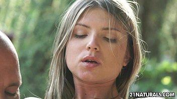 Sex-obsessed doris ivy's sensual anal romance