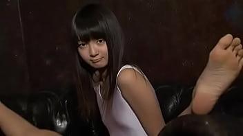 アイドルより可愛いレオタード姿の美少女の過激イメージビデオでマン肉が見えてる件
