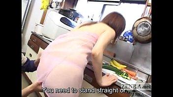CMNF浮気日本人の妻キッチン前戯...