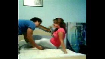 Videos Amateur Caseros Cojiendo con la de la blusa rosa