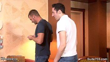 Video Por Gay Sexual married guy gets fucked by a gay