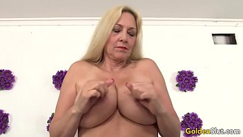 Mature woman Cala Craves shows off her pussy an... | Video Make Love