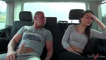 xxarxx عاهرة مارس الجنس لم ترغب في ترك السيارة