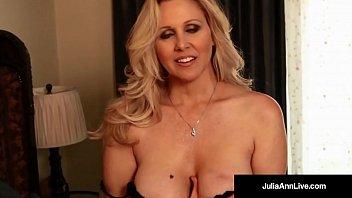 Avn hall of famer, julia ann, gets off with a pink dildo!