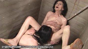 Старики любят секс с молоденькими