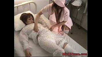 ヘンタイナース二人が美少女患者を睡眠薬で眠らせぺニバンレズレイプ
