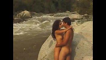 Vanessa robbiano y monica sanchez - imposible amor (2003)