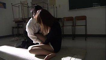 石原莉奈/女教師が教室でレイプされる!生徒に激しくピストンされ絶頂してしまう!