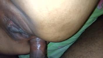 Un rico anal a una limeña.