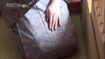【希咲あや】細身で美乳の色っぽい女。すっぴんの顔も激カワ!和服がよく似合いますのぉ。