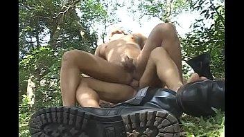 Длинноногая красотка леггинсы смотреть порно