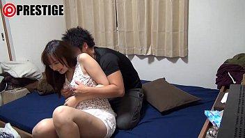 彼氏の部屋でラブラブベロチューセックスを嗜むカップルが羨ましいw