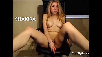 Shakira masturbandose