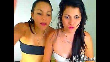 Pareja de lesbianas se cogen frente a la web camara on line