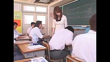 【女教師 吉沢明歩】生徒を誘惑する美人エロ教師がフェラからセックスまでしてくれます